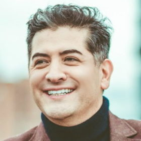Dr. Alfredo Hoyos MD