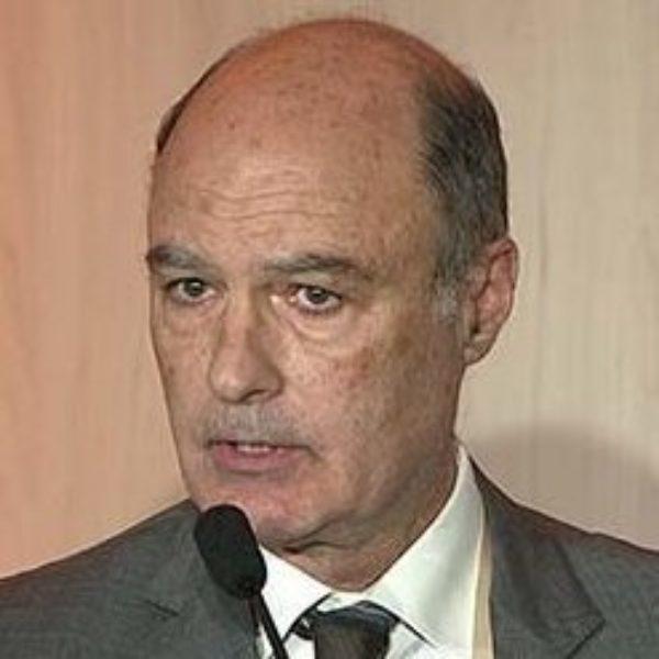 Dr. Javier Beut MD